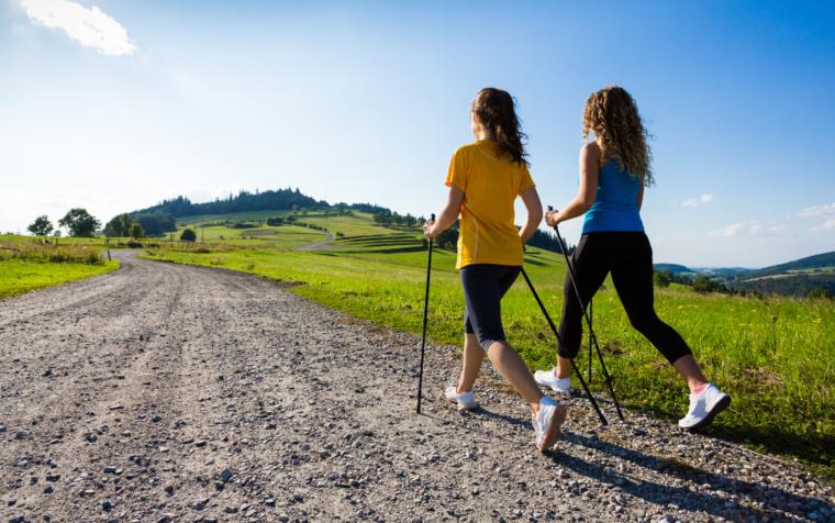 Nordic walking to aktywność fizyczna dla każdego