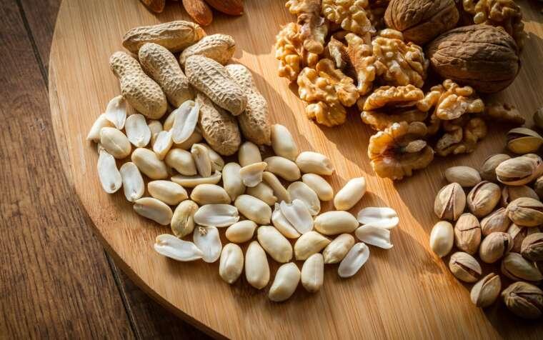Jakie orzechy i nasiona jeść na keto diecie?
